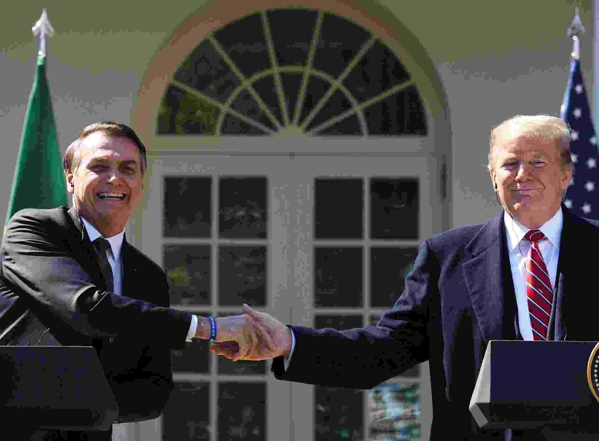 """Segundo Eduardo Bolsonaro, o encontro entre os dois presidentes teve clima de descontração. """"Parecia um bate papo entre velhos amigos"""", declarou o deputado federal, filho do presidente - AFP"""