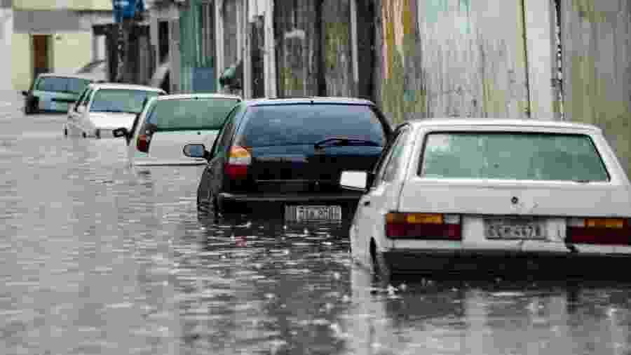 08.jan.2020 - Chuva forte causa transtornos em São Paulo - Gero Rodrigues/O Fotográfico/Estadão Conteúdo