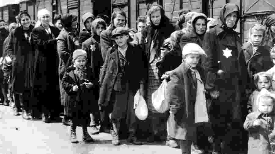 Pelo menos 1,3 milhão de pessoas foram enviadas para Auschwitz-Birkenau durante a guerra - 90% delas eram judias - Getty Images