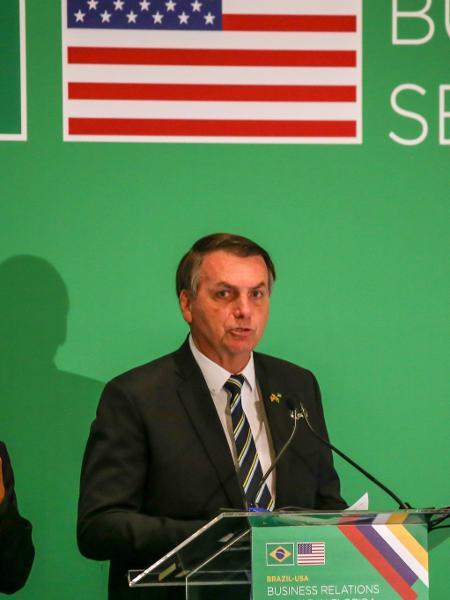 Presidente retomou níveis só utilizados na campanha eleitoral - Zak Bennet/AFP