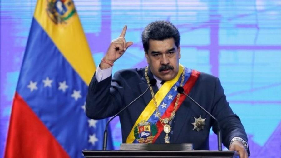 O governo de Nicolás Maduro mudou de atitude em relação ao dólar - Reuters