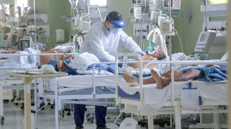 Número de municípios com risco de ficar sem kit intubação para pacientes em UTI é considerado preocupante - Tatiana Fortes/Governo do Ceará