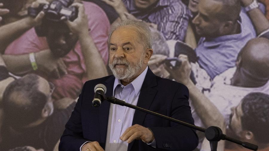Arquivo - O ex-presidente Luiz Inácio Lula da Silva se movimenta para abrir diálogo com fiéis e igrejas independentes - Bruno Rocha/Enquadrar/Estadão Conteúdo