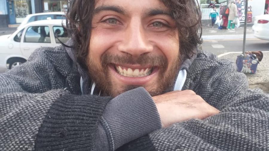 Leandro Cardoso tem 29 anos, mas até post viralizar vendedora não sabia seu nome nem idade - Reprodução/ Akauana Nunes