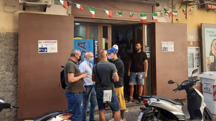 Tabacaria de Nápoles onde idosa teve raspadinha furtada - ANSA