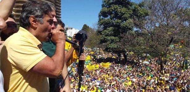 """População não aceita """"tanta impunidade, corrupção e mentira"""", diz Aécio - Reprodução/@Cris_duh_123/Twitter"""