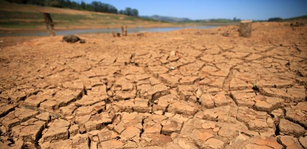 Reserva da represa Jaguari/Jacareí, do Sistema Cantareira, durante a crise hídrica, em setembro de 2015 - Luis Moura/Estadão Conteúdo - Luis Moura/Estadão Conteúdo