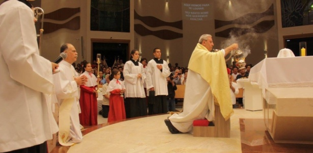 Diocese de São José dos Campos (SP) suspende eucaristia por precaução
