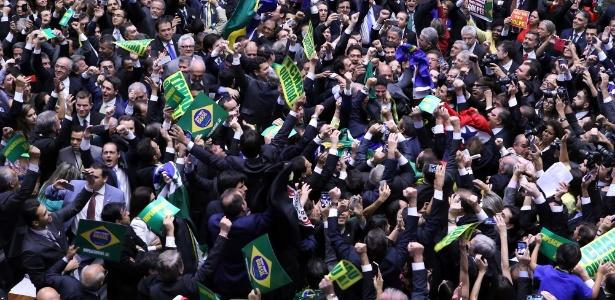 Congresso brasileiro ignora delações que citam mais de 200 parlamentares