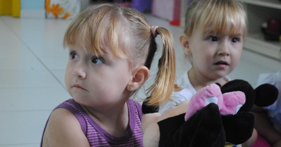 Julia e Bruna - Seis duplas de gêmeos estão na mesma creche em Florianópolis