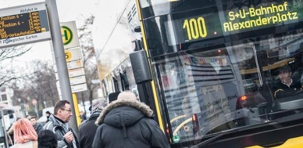 Ônibus público em Berlim