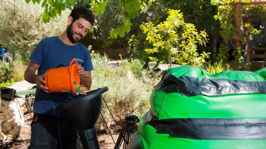 O HomeBiogas transforma resíduos orgânicos, como restos de alimentos, em gás metano; custa R$ 5.900 - Divulgação