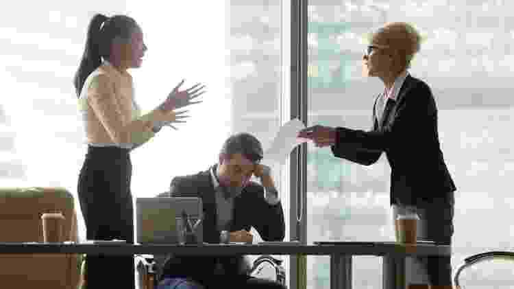 Ter uma conversa honesta com seu chefe sobre o problema evita que a situação se agrave - Getty Images - Getty Images
