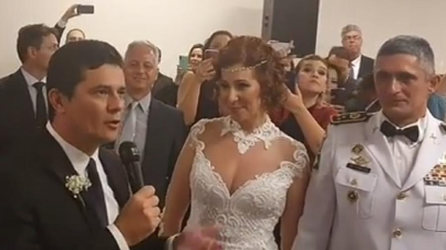 Moro discursa em casamento de Carla Zambelli; na ocasião, ex-ministro foi padrinho da deputada - Reprodução/Redes sociais