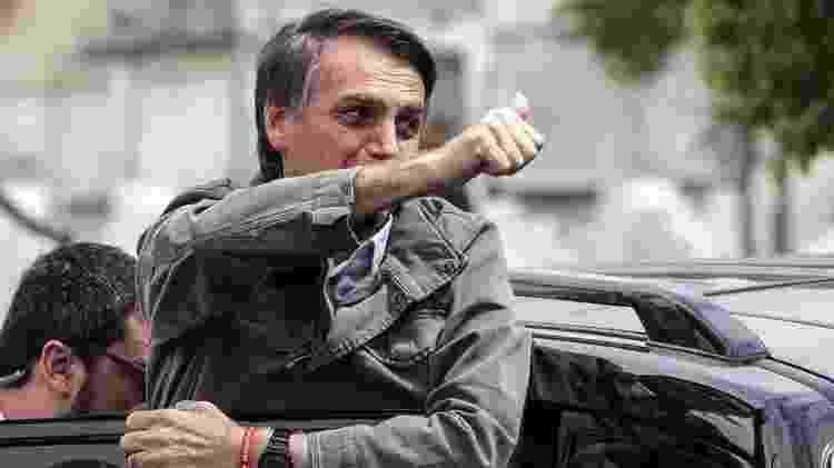 Jair Bolsonaro ao votar - EPA - EPA