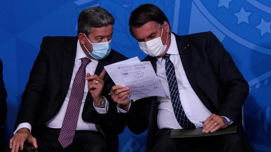 22.jun.2021 - O presidente da Câmara, Arthur Lira (PP-AL), e o presidente Jair Bolsonaro (sem partido), em evento no Palácio do Planalto - Wallace Martins/Futura Press/Estadão Conteúdo