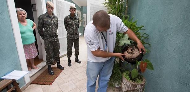 Militares do Exército assistem ação de combate ao Aedes em São Paulo