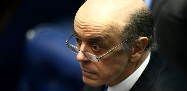 Serra discursa durante sessão do impeachment de Dilma Rousseff no Senado
