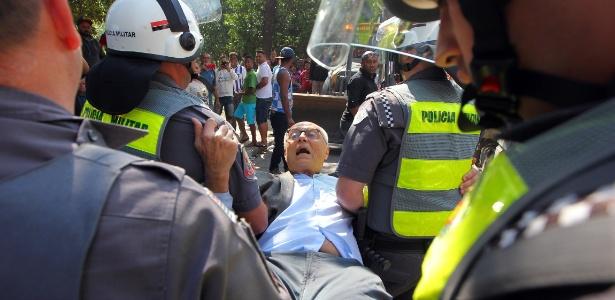 O ex-senador Eduardo Suplicy (PT) foi detido na segunda-feira (25)
