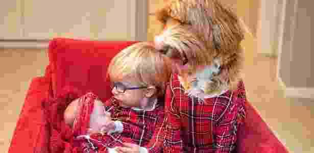 Menino e cão - Reprodução/instagram.com/reagandoodle/ - Reprodução/instagram.com/reagandoodle/