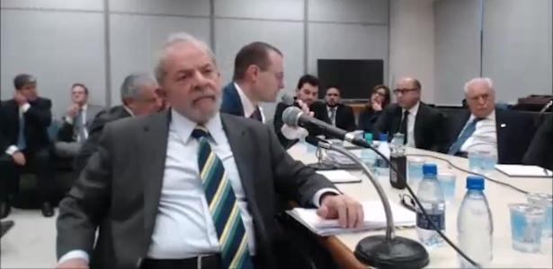 O ex-presidente Luiz Inácio Lula da Silva em depoimento ao juiz Sergio Moro em Curitiba