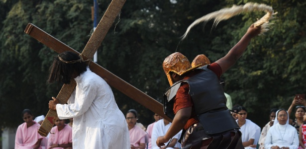 30.mar.2018 - Ritual de Páscoa nas Filipinas - Noah Seelam/AFP