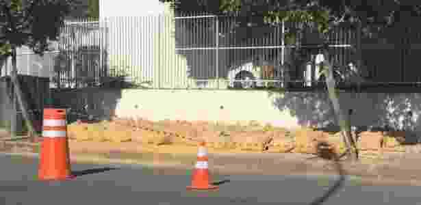 Sacos com areia serão usados para tiros no local da reconstituição - Luis Kawaguti/UOL