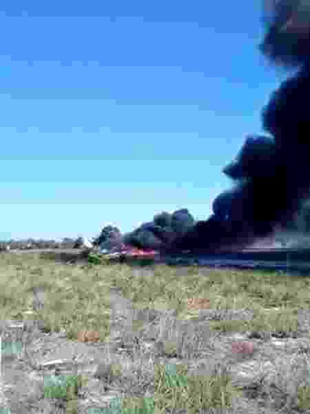 Avião cai e pega fogo durante pouso em resort na Bahia - Reprodução/Twitter