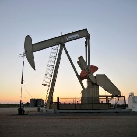 Bombemanto de petróleo em Guthrie, Oklahoma (EUA) - Nick Oxford