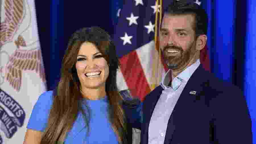 Kimberly Guilfoyle ao lado do namorado Donald Trump Jr.: teste positivo para coronavírus   - JIM WATSON / AFP