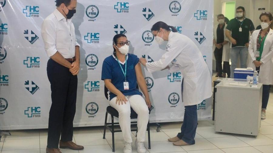 A vacinação em Botucatu começou com a CoronaVac em janeiro - Divulgação/Governo de SP
