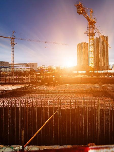 LafargeHolcim, grupo global do setor de materiais de construção, decide sair do Brasil - hxdyl/iStock