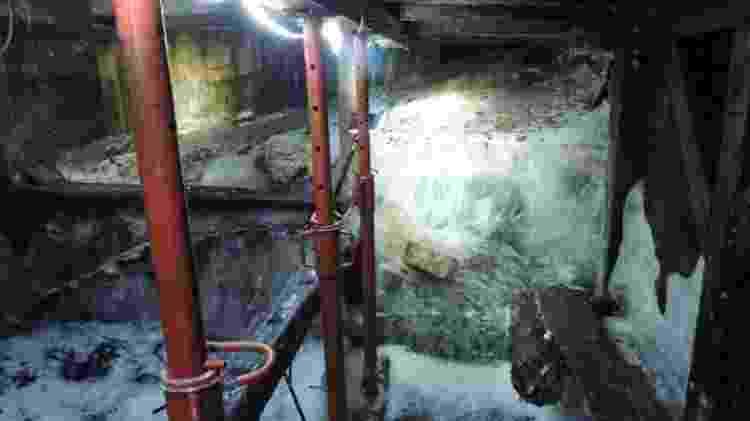 Abrigo ficou visível na caverna após o derretimento da geleira - Courtesy White War Museum  - Courtesy White War Museum