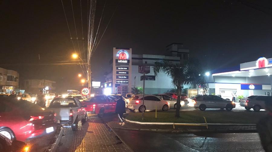 Postos de combustíveis em Florianópolis enfrentam filas - Reprodução/Twitter/@step_by_step_2