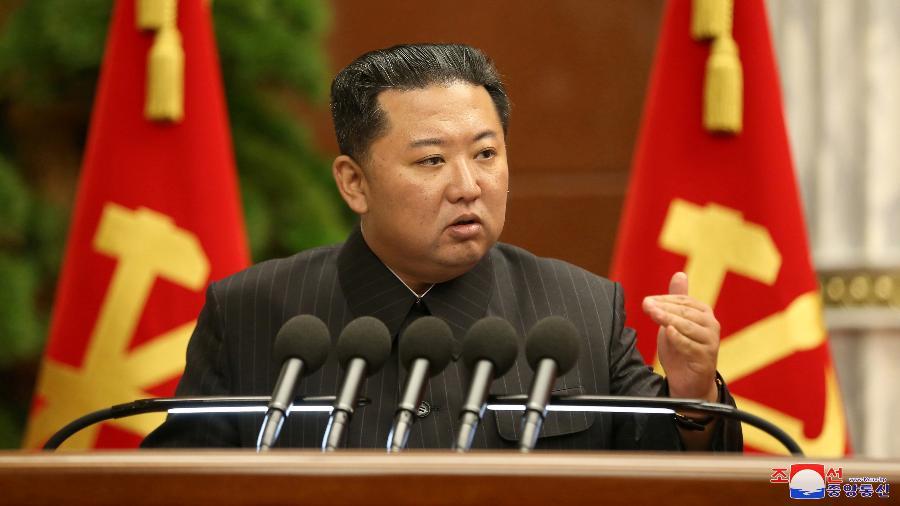 """Um porta-voz do ministro da Defesa do Japão indicou que o projétil """"assemelhava-se a um míssil balístico"""" - Korean Central News Agency via Reuters"""