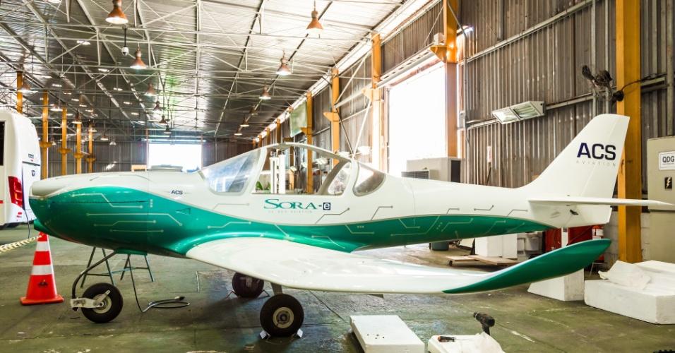 O primeiro avião elétrico tripulado da América Latina fez seu voo inaugural nesta terça-feira (23). A Itaipu Binacional e a empresa ACS Aviation, de São José dos Campos (SP), apresentaram oficialmente o modelo Sora-e, no aeroporto de Itaipu, localizado na margem paraguaia da usina, no município de Hernandarias