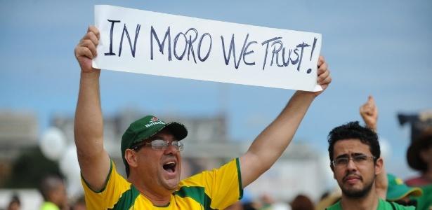 Juiz Sergio Moro, da Lava Jato, é herói em protestos - Andressa Anholete/AFP
