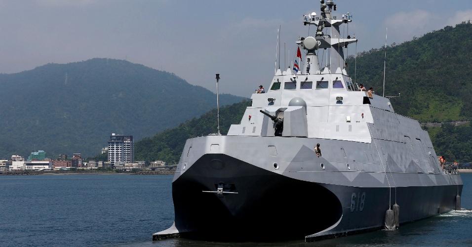 4.jun.2016 - O primeiro navio de guerra construído em Taiwan é apresentado na base naval de Suao, em Yilan. A corveta de casco duplo de 600 toneladas possui tecnologia ?stealth?, que a torna 'invisível' a radares inimigos
