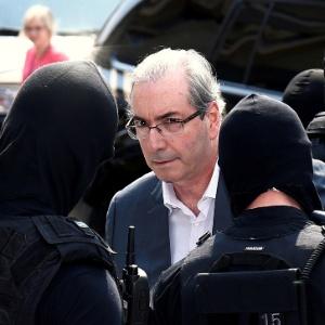 Eduardo Cunha durante ida ao IML em Curitiba, em outubro