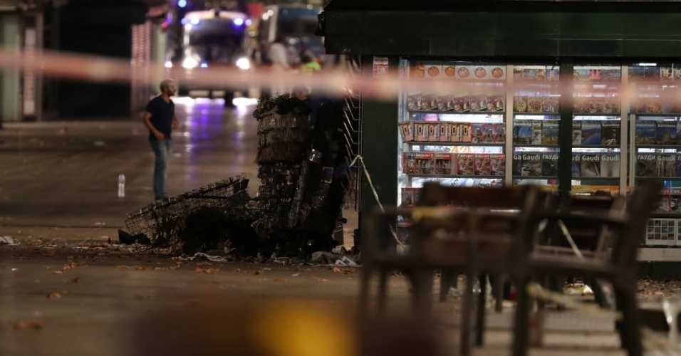 17.ago.2017 - As proximidades das Ramblas --um calçadão de pedestres e importante ponto turístico de Barcelona-- foram interditadas após um ataque terrorista que deixou mortos e centenas de feridos