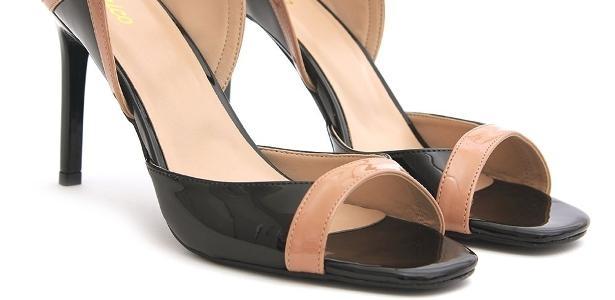 781d30c80 Loja de sapatos chega aos 80 anos apostando em um nicho: quem tem pé grande  - 04/12/2018 - UOL Economia