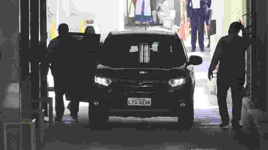 22.fev.2019 - Carro com a empresária Elaine Caparróz deixa o Hospital Casa de Portugal - JOSE LUCENA/FUTURA PRESS/FUTURA PRESS/ESTADÃO CONTEÚDO