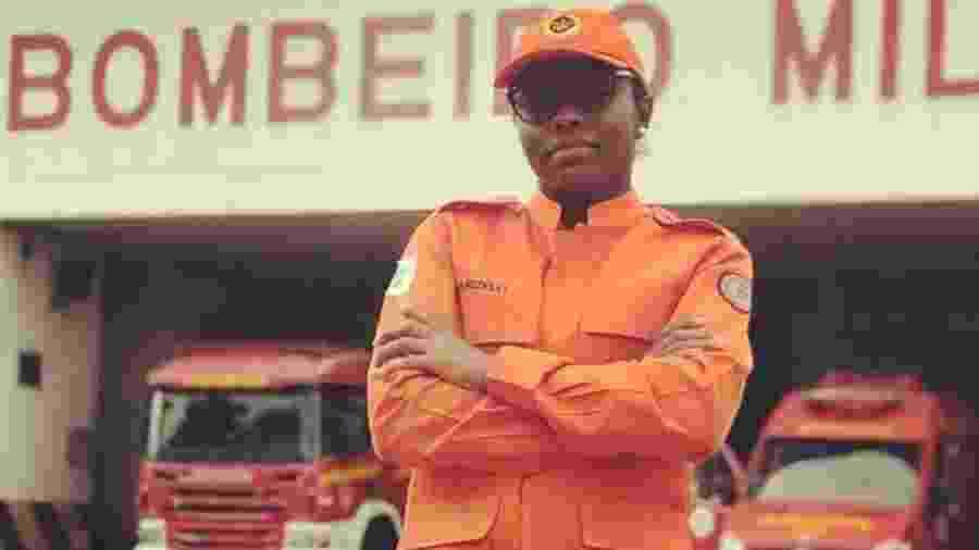 A bombeira Marizelli Armelinda Dias, 31, que morreu eletrocutada durante o combate a um incêndio no DF - Reprodução/Instagram