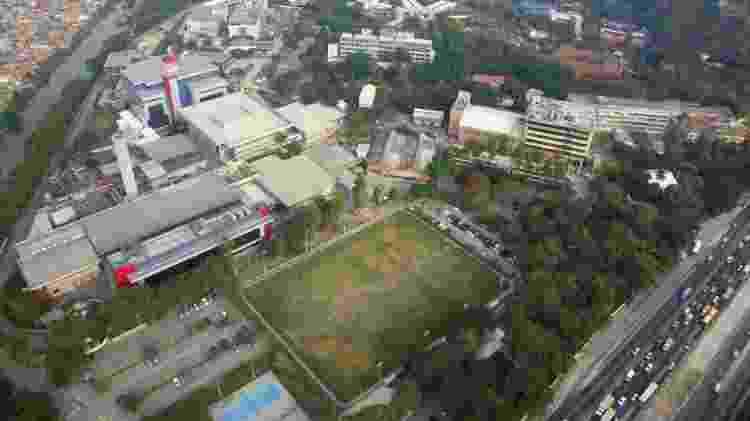 Novo hospital será construído em área antes ocupada por campo de futebol, ao lado da Avenida Brasil, principal via expressa do Rio - Divulgação/ Fiocruz - Divulgação/ Fiocruz