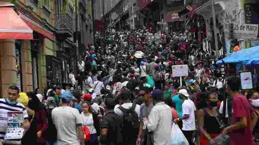 Rua 25 de Março centro do comércio popular em São Paulo - Renato S. Cerqueira/Futura Press/Estadão Conteúdo