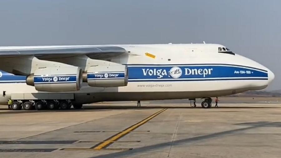 O Antonov AN-124 transporta um munhão, equipamento da mineradora Anglo American de 51,5 toneladas - Reprodução/Instagram
