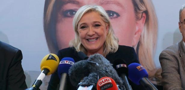 'Se (Benzema) não é feliz, que vá jogar em seu país', disse Marine Le Pen