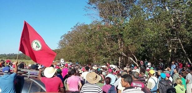 Sem-terra ocupam área da Usina Santa Helena, em Goías