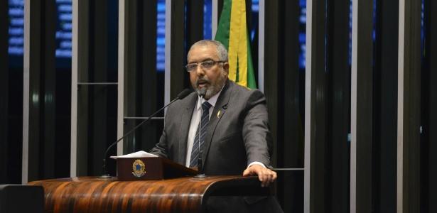 Senador Paulo Paim protocolou na Secretaria-Geral da Mesa requerimento com 46 assinaturas de abertura da CPI  - Ana Volpe/Agência Senado