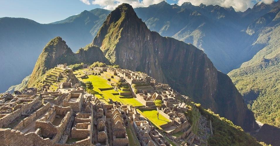 Machu Picchu, no Peru. Localizado nos Andes, sabe-se queo local abrigava templos incas, mas ainda há muitos mistérios para os pesquisadores destas ruínas